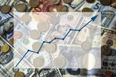 Rechnungen und Münzen des unterschiedlichen Nationshintergrundes mit Textbox Stockfotos