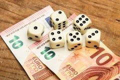 Rechnungen und würfelt Lizenzfreie Stockfotografie