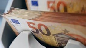 Rechnungen von Euros erhalten berechnet stock video footage