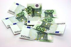Rechnungen von hundert Euro stockbilder
