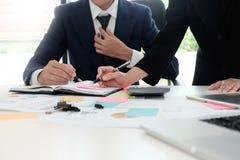 Rechnungsprüfungskonzept, Buchhalter Team oder Finanz Stockbild