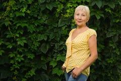 Recht ältere Frau Stockbild
