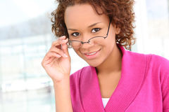 Recht afrikanische Geschäftsfrau Lizenzfreie Stockfotos