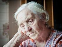 Recht alte Großmutter Stockfoto