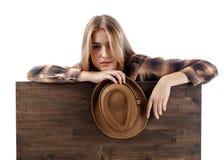 Recht blond mit Hut Stockbilder