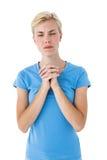 Recht blonde betende Frau Stockbilder