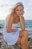 Recht blonde Frau Lizenzfreie Stockbilder