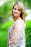 Recht blonde junge Dame Lizenzfreie Stockfotografie