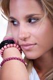 Recht blondes jugendlich Mädchen lizenzfreies stockfoto