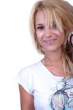 Recht blondes jugendlich Mädchen mit Geräuschring stockfotografie