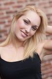 Recht blondes Lächeln Lizenzfreie Stockbilder