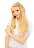 Recht blondes Mädchen über weißem Hintergrund Lizenzfreie Stockfotos