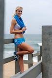 Recht blondes Mädchen in der Sportkleidung Lizenzfreies Stockfoto