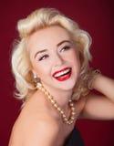 Recht blondes Mädchenmodell Stockfotos