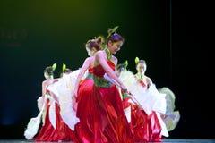 Recht chinesische nationale Tänzer Stockbilder