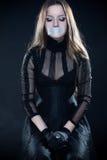 Recht gotisches Mädchen im Korsett stockfoto