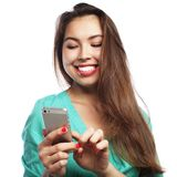 Recht jugendlich Mädchen, das selfies nimmt Lizenzfreies Stockbild