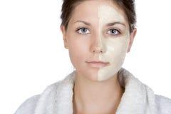 Recht jugendlich mit halber Gesichtsmaske Lizenzfreie Stockbilder