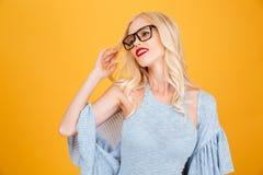 Recht junge blonde Frau Lizenzfreies Stockfoto