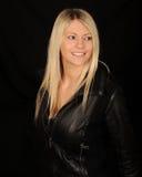 Recht junge blonde Frau Lizenzfreies Stockbild