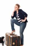 Recht junge Frau, die sich vorbereitet, nach Hause zu gehen Lizenzfreie Stockbilder