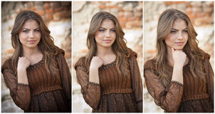 Recht junge Frau, die vor dem Bauernhof aufwirft. Sehr attraktives blondes Mädchen mit braunem kurzem Kleid. Romantische Aufstellu Lizenzfreie Stockfotos