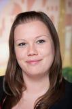 Recht junges Geschäftsfraulächeln Stockfotografie