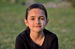 Recht kleines hispanisches Mädchen Stockbilder