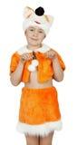 Recht kleines Mädchen im Fuchskostüm auf dem weißen Hintergrund Lizenzfreie Stockbilder