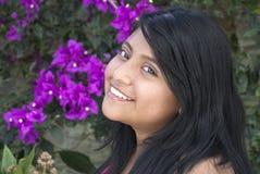Recht lateinisches Mädchen Stockfotografie