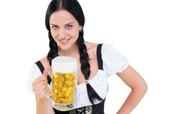 Recht oktoberfest Mädchen, das Bierkrug hält Lizenzfreies Stockbild