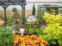 Rechte Seite Chelsea Flower Show 2017 Schöne Betriebs- und Blumenanzeige des großen Pavillons Stockfoto
