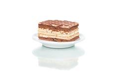 Rechteckiger Kuchen auf Platte Stockbild