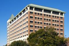 Rechteckiges Block-Gebäude Lizenzfreies Stockfoto