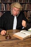 Rechter met hamer Royalty-vrije Stock Afbeeldingen