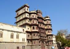 Rechterkantmening van Rajwada (Royal Palace) Indore Stock Afbeelding