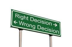 Rechtes und falsches Entscheidungs-Verkehrsschild getrennt Lizenzfreies Stockfoto