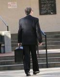 Rechtsanwalt, der zum Gericht geht Stockfoto
