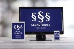 Rechtsfragekonzept auf verschiedenen Geräten Lizenzfreies Stockbild