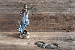 Rechtvaardigheid en handcuffs Stock Foto