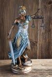 Rechtvaardigheid en handcuffs Stock Afbeeldingen