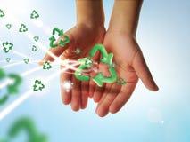 Recicl as mãos Fotografia de Stock