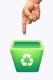 Recicl o escaninho na mão Fotos de Stock