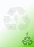 Recicl o fundo verde dos artigos de papelaria do bloco de notas da terra Fotos de Stock Royalty Free
