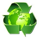 Recicl o símbolo com o globo sobre o branco Imagens de Stock Royalty Free