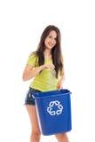 Reciclador adolescente aislado en blanco Imágenes de archivo libres de regalías