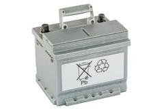 Reciclaje de baterías de plomo, aislado en el fondo blanco Fotografía de archivo