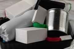 Reciclaje de la basura médica fotografía de archivo