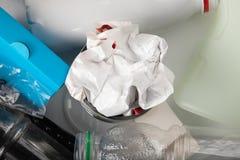 Reciclaje de la basura médica foto de archivo libre de regalías