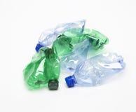 Reciclaje de la botella plástica foto de archivo